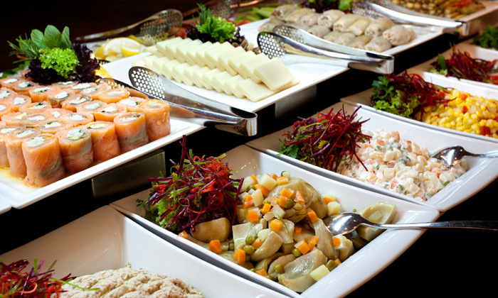 10 ways to choose healthy food at the cafeteria