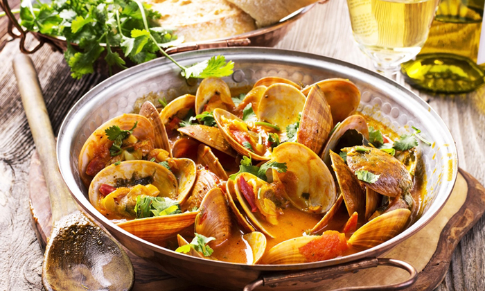 Clams in Almond Sauce